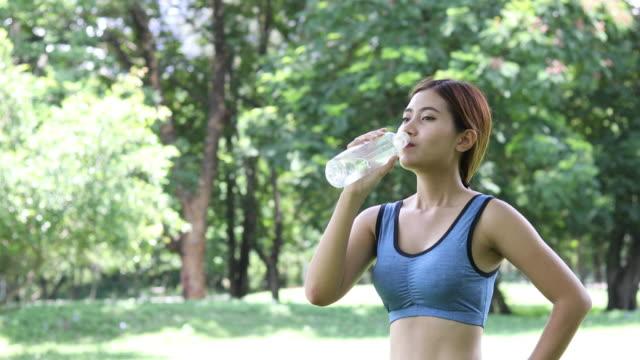 Nên sử dụng nước mát khi hoạt động thể chất