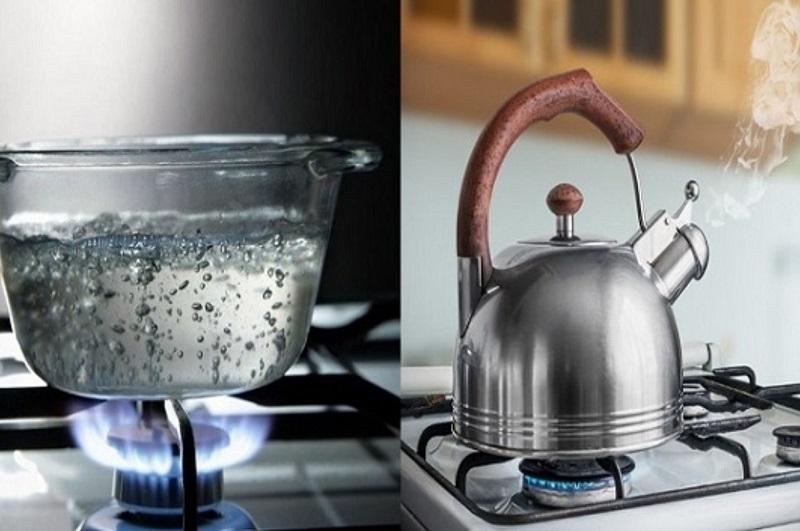 Đun nước sôi quá nhiều lần làm các khoáng chất trong nước trở thành cặn không tốt cho sức khỏe