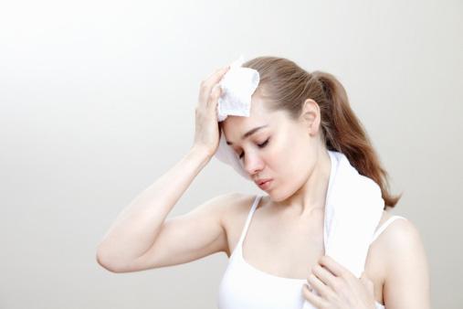 Cơ thể có dấu hiệu mệt mỏi khi không cung cấp đủ lượng nước cho cơ thể