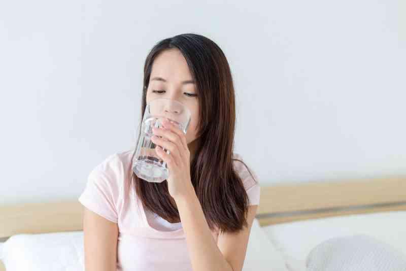 Mất nước có thể ảnh hưởng trực tiếp đến hoạt động thể chất và tinh thần