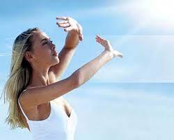 Ánh nắng mặt trời là tác nhân chính đẩy nhanh quá trình lão hóa ở phụ nữ