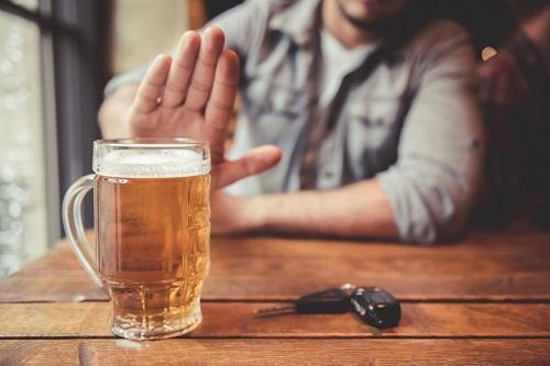 Không sử dụng đồ uống có cồn khi đi du lịch